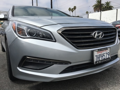 2015 HYUNDAI SONATA SEDAN SE! ONLY 68K MILES! KILLER BODY KIT! LOADED! TURN HEADS! DRIVE OFF TODAY!