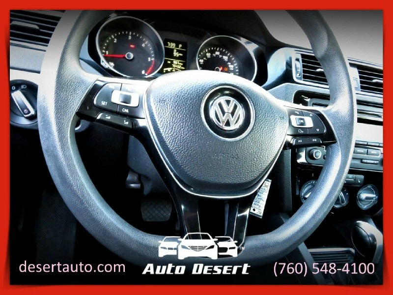 Volkswagen Jetta Sedan 2015 price $10,970
