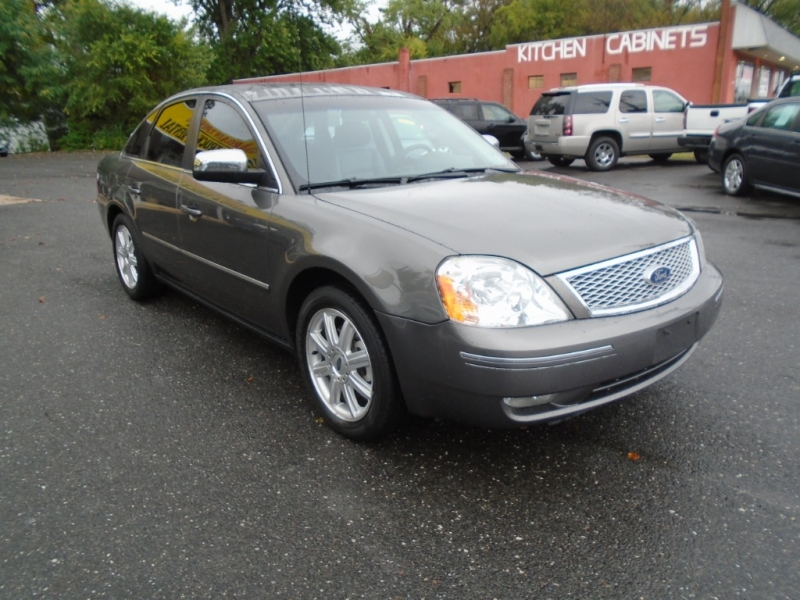 Ford Five Hundred 2005 price $3,499