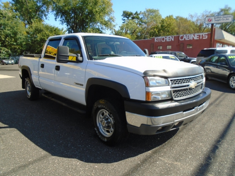 Chevrolet Silverado 2500HD 2005 price $9,499