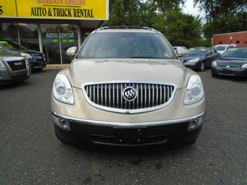 Buick Enclave 2009 price $7,999