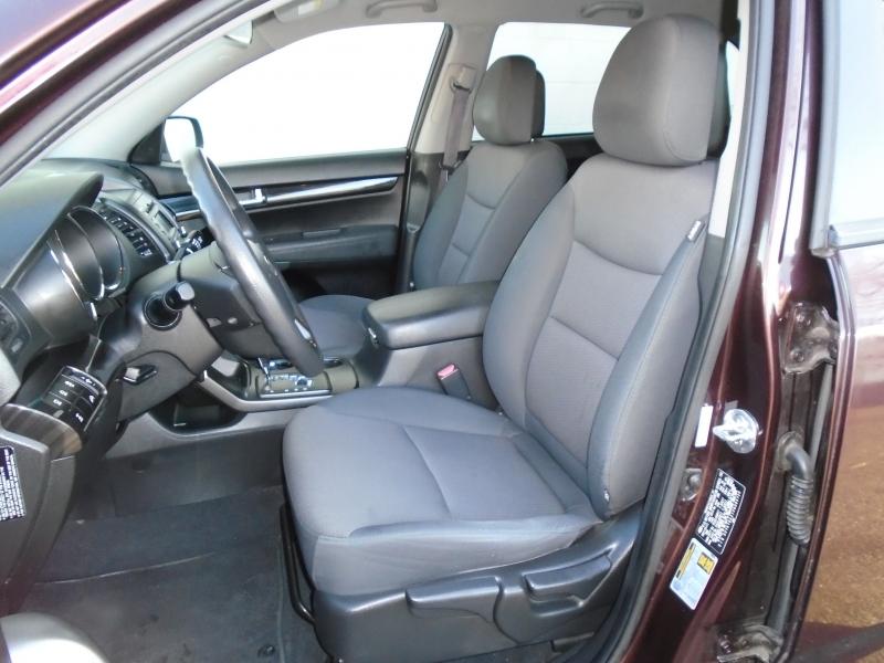 Kia Sorento 2012 price $8,399