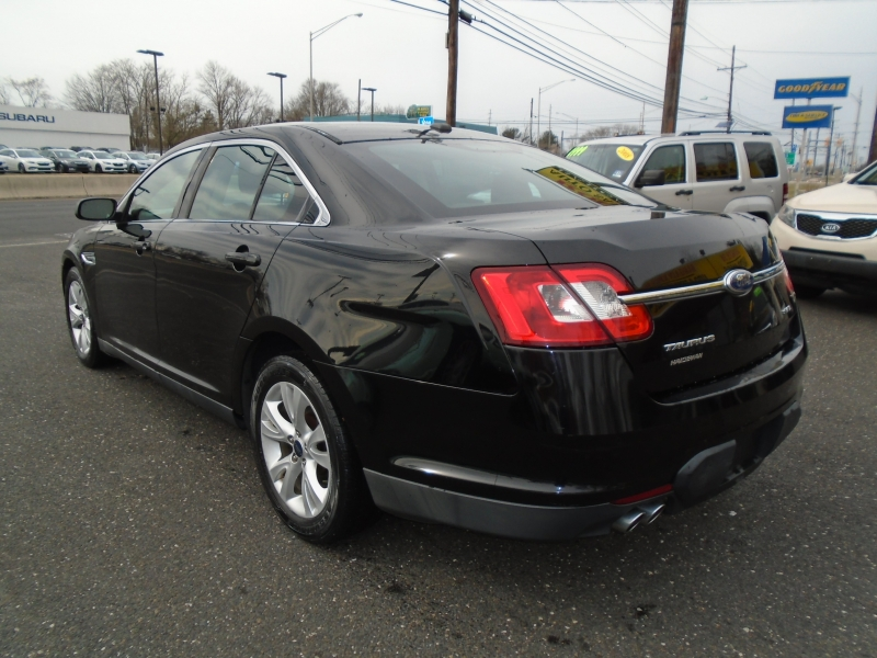 Ford Taurus 2011 price $5,999