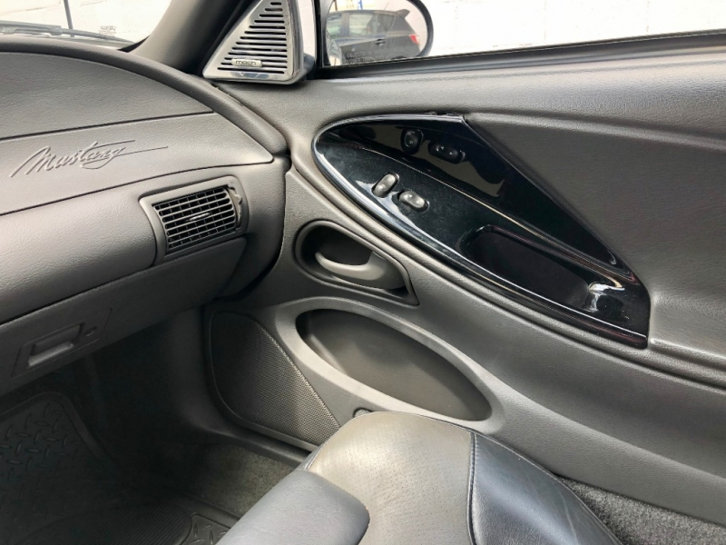 Saleen S281 Mustang 2004 price $18,995