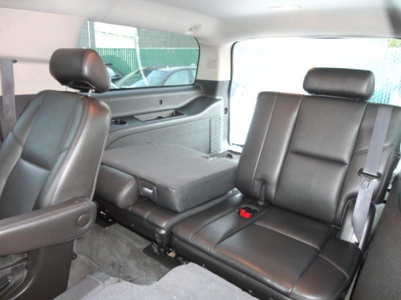 GMC Yukon XL 2010 price $15,900