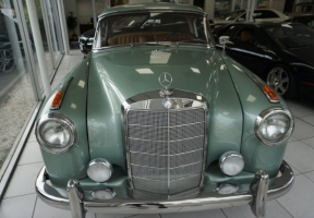 Mercedes-Benz  1960