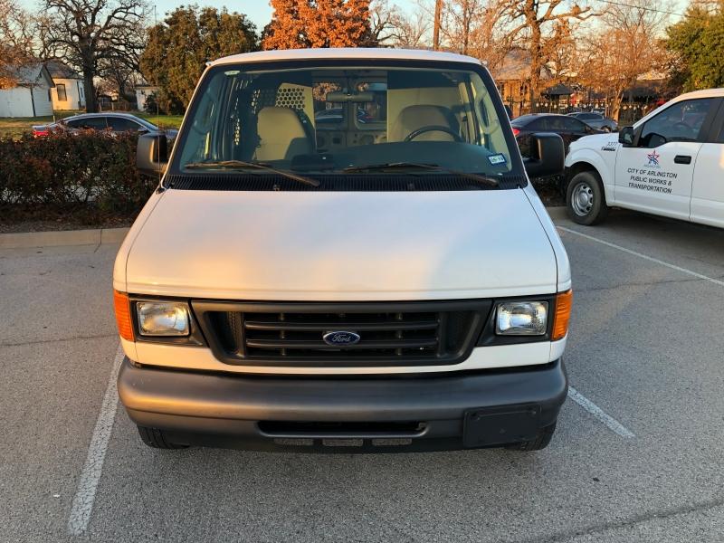 Ford Econoline Cargo Van 2005 price $8,499