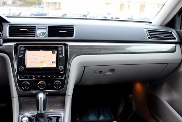 2017 Volkswagen Passat 1 8t Se W Technology Auto
