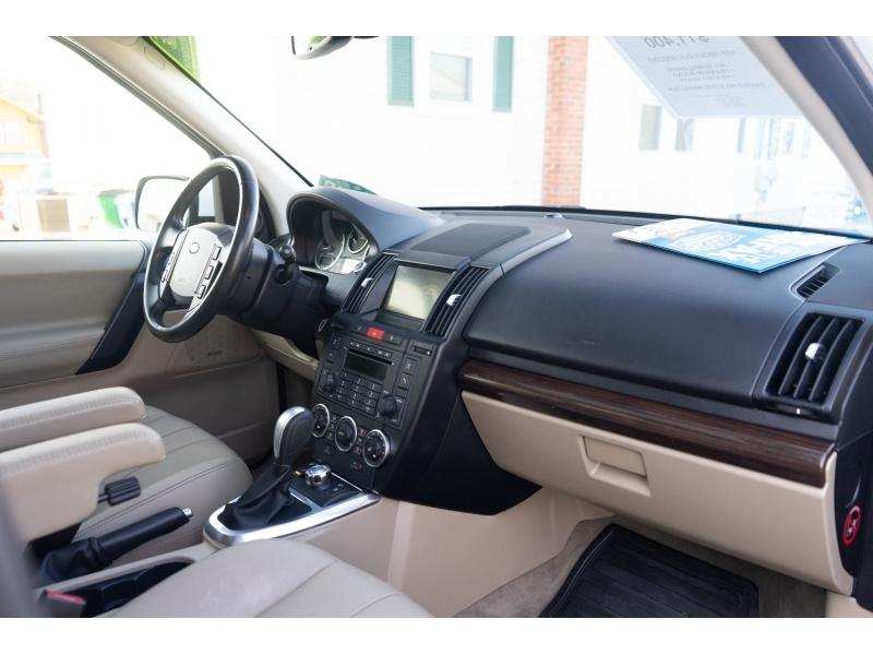 Land Rover LR 2 2012 price $11,400