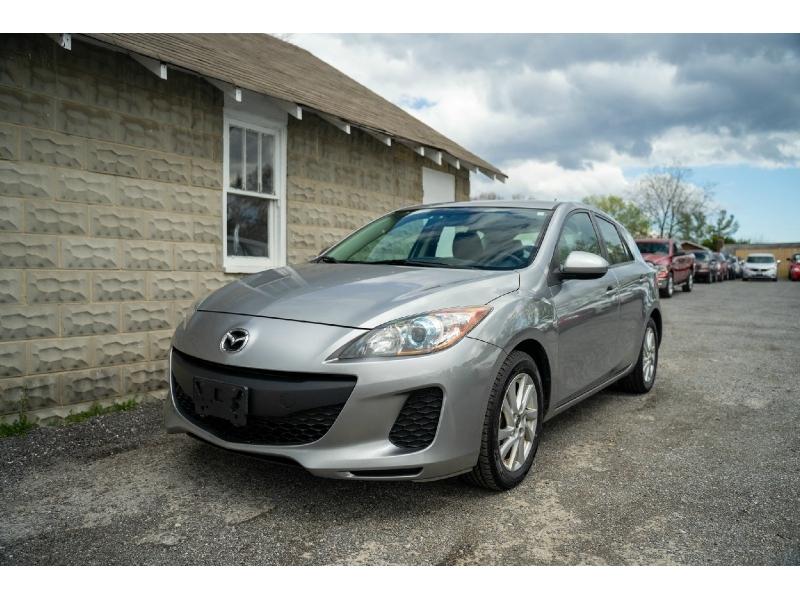 Mazda 3 2013 price $4,990