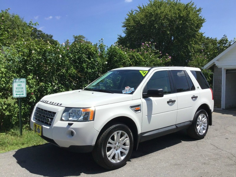 Land Rover LR 2 2008 price $9,390