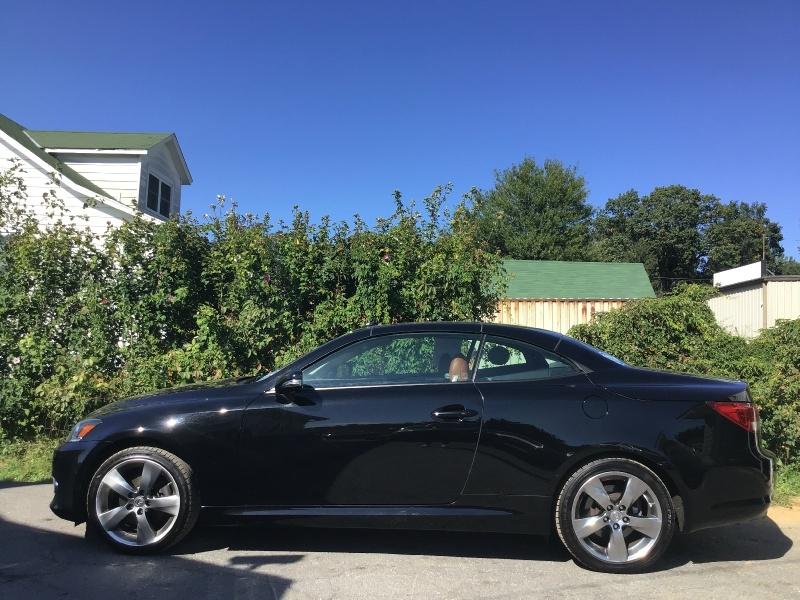 Lexus IS 250C 2011 price $11,990