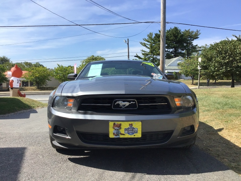 Ford Mustang 2010 price $7,990