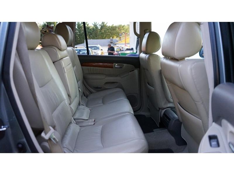 Lexus GX 470 2005 price $9,490