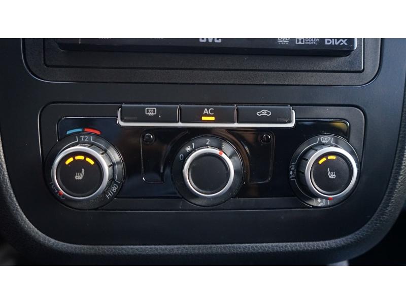 Volkswagen Jetta 2010 price $3,990