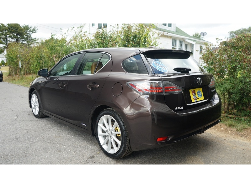 Lexus CT 200h 2013 price $7,990