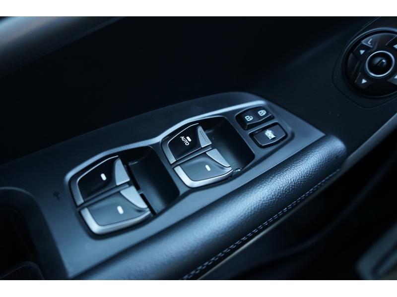 Hyundai Santa Fe 2013 price $10,990