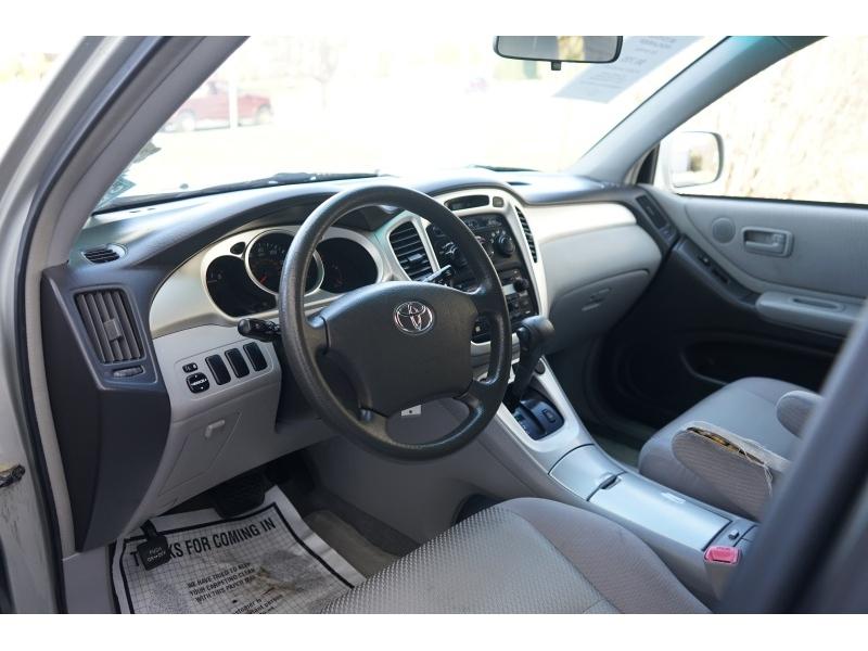 Toyota Highlander 2006 price $6,290