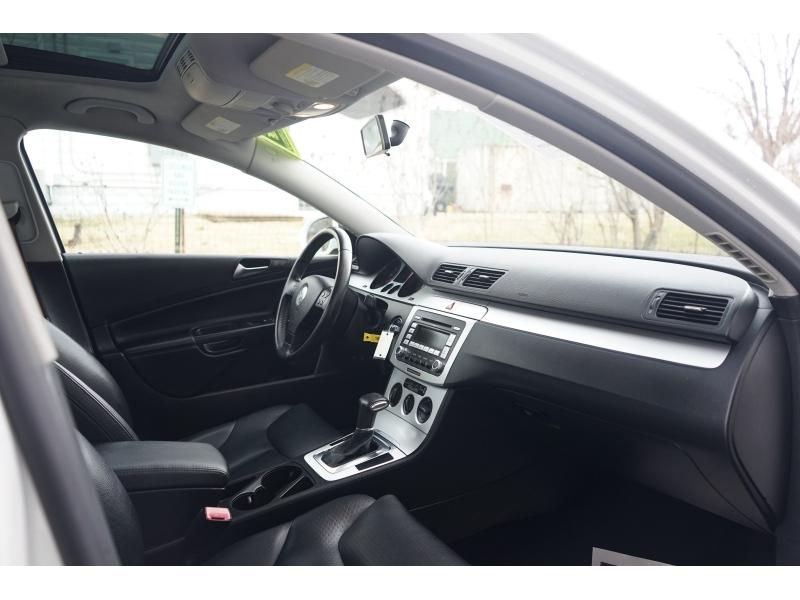 Volkswagen Passat 2009 price $4,990