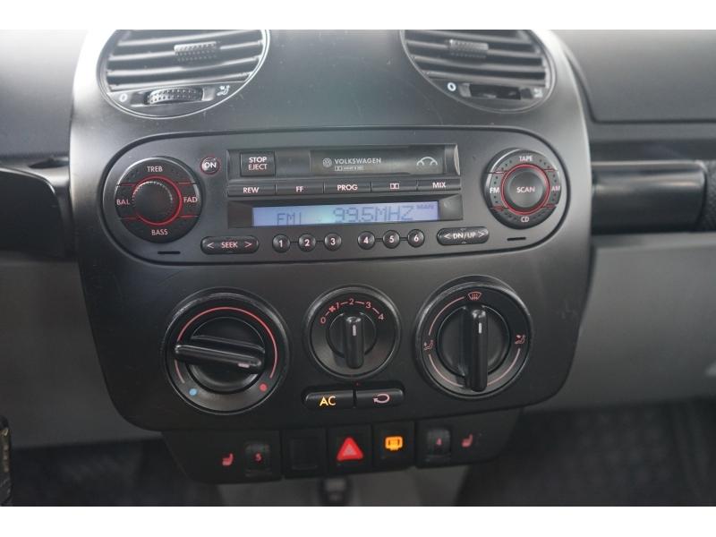 Volkswagen New Beetle Coupe 2003 price $4,190