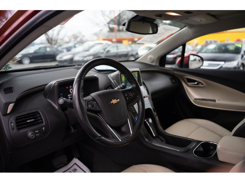 Chevrolet Volt 2011 price $7,440