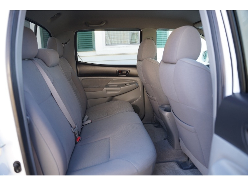 Toyota Tacoma 2008 price $15,990