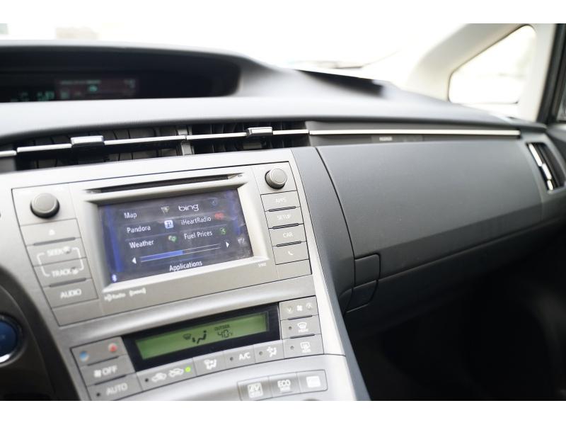 Toyota Prius 2015 price $10,490