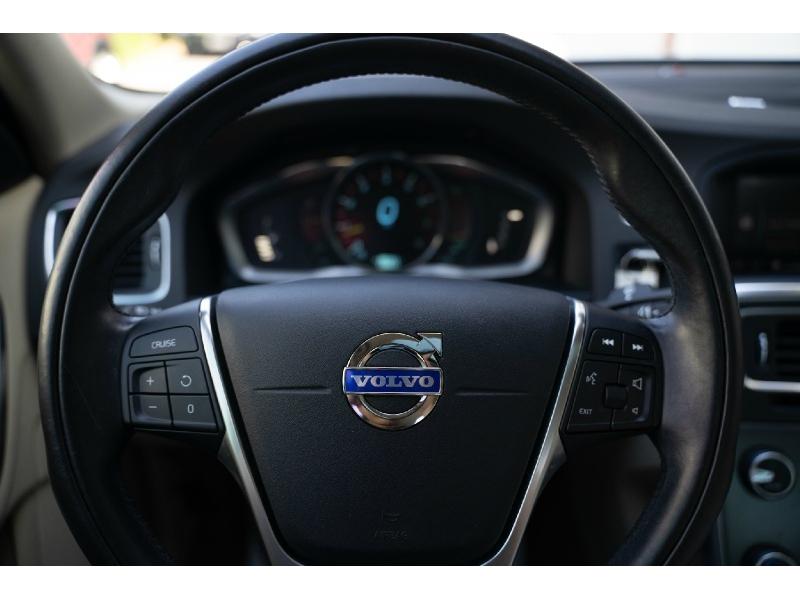 Volvo S 60 2015 price $9,990