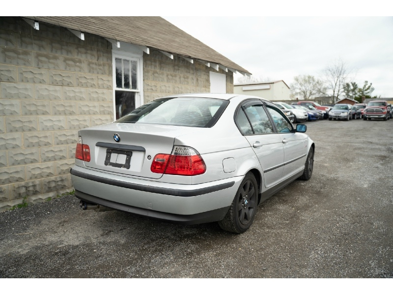 BMW 3-Series 2003 price $2,440