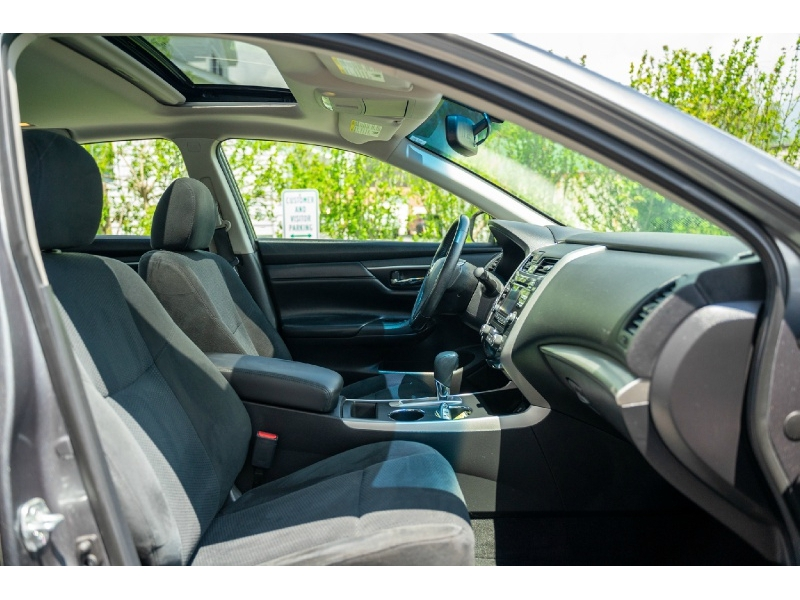 Nissan Altima 2015 price $9,440