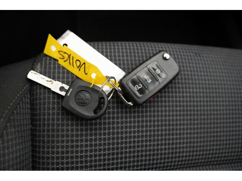 Volkswagen Golf 2012 price $6,870