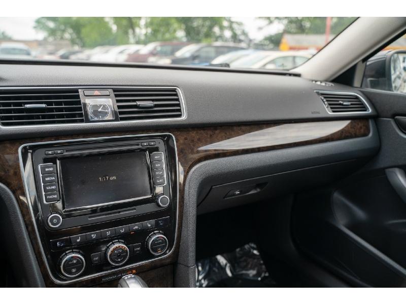 Volkswagen Passat 2014 price $12,770