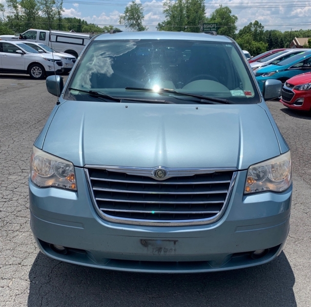 CHRYSLER TOWN & COUNTRY 2010 price $5,990