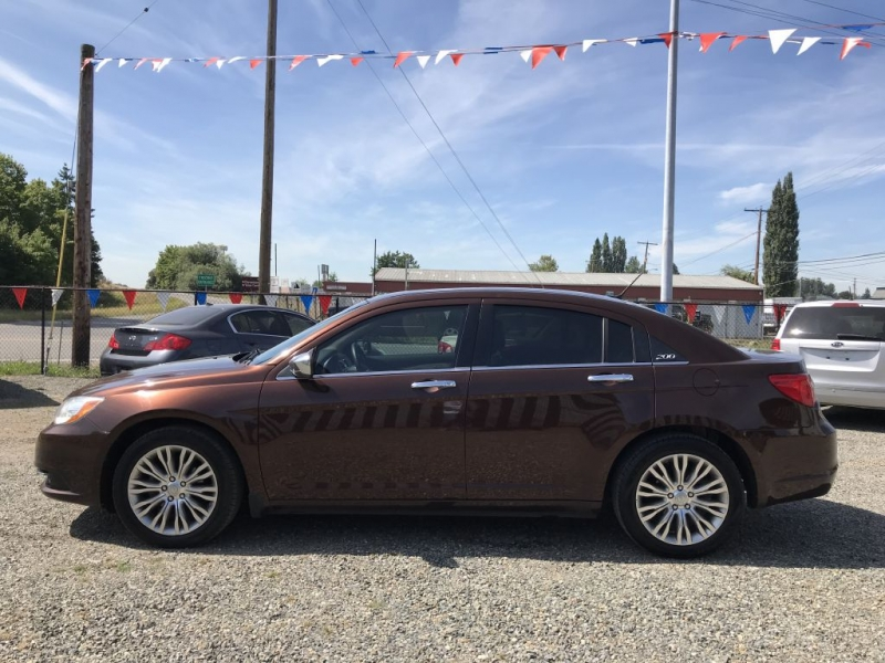 CHRYSLER 200 2012 price $5,995