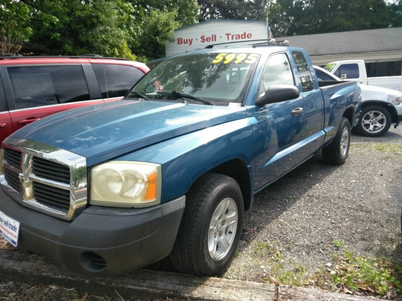 DODGE DAKOTA 2005 price $2,900