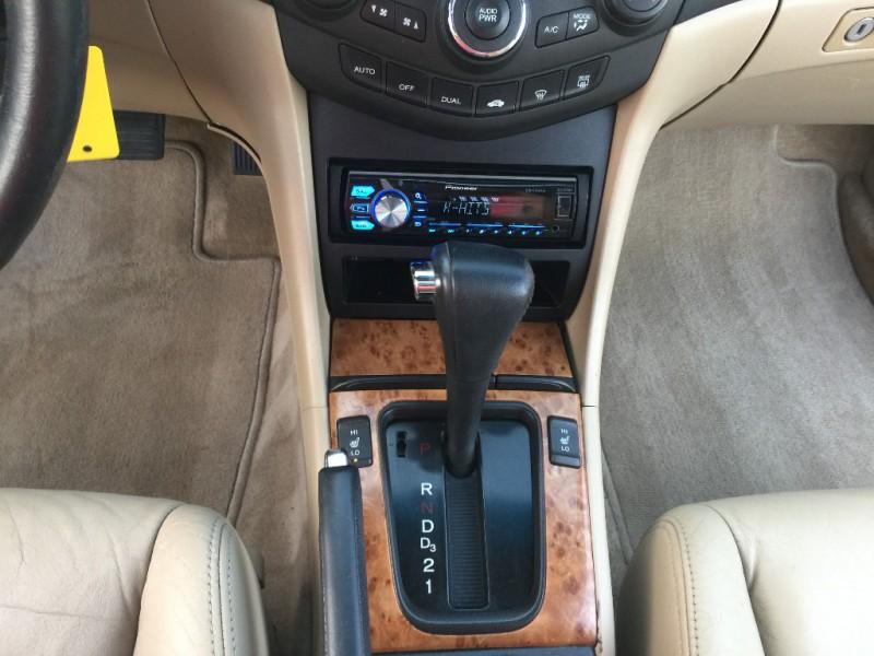 Honda Accord Cpe 2004 price $4,999