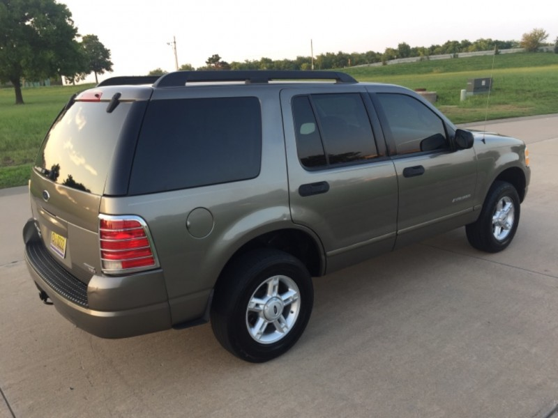 Ford Explorer 2005 price $4,499