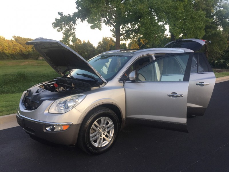 Buick Enclave 2008 price $7,499