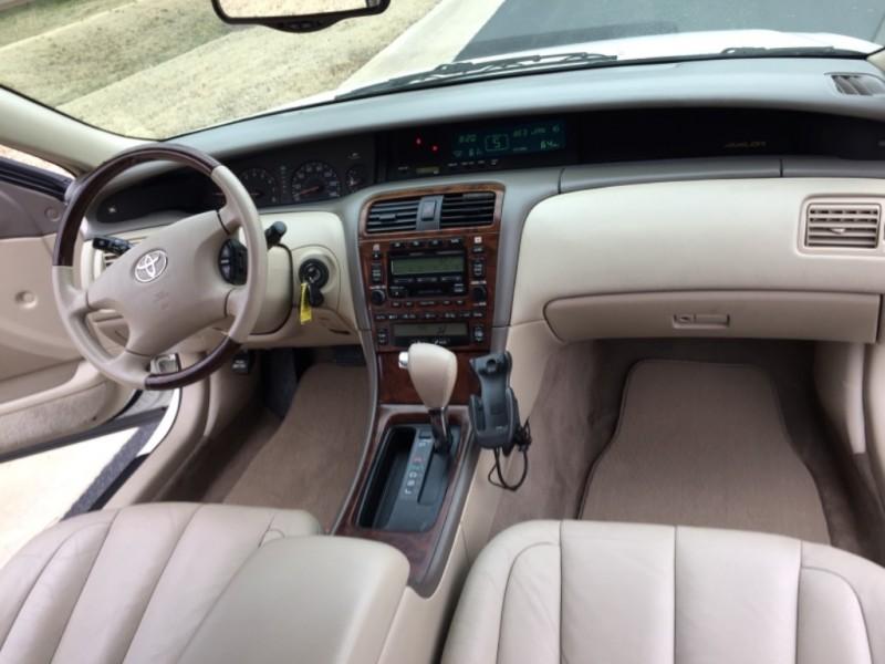 Toyota Avalon 2003 price $5,499