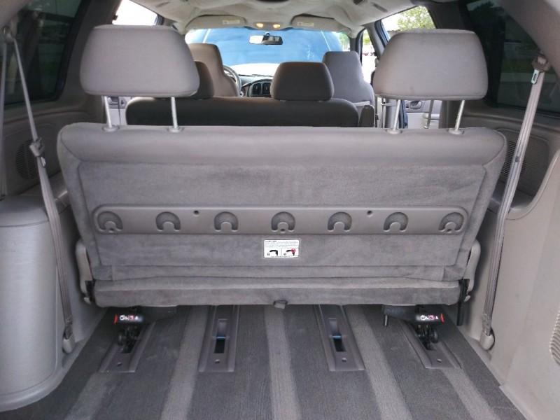 Dodge Grand Caravan 2003 price $2,999