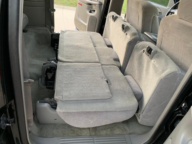 Chevrolet Suburban 2004 price $5,499