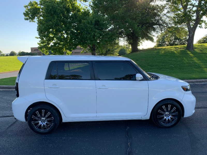 Scion xB 2009 price $5,499