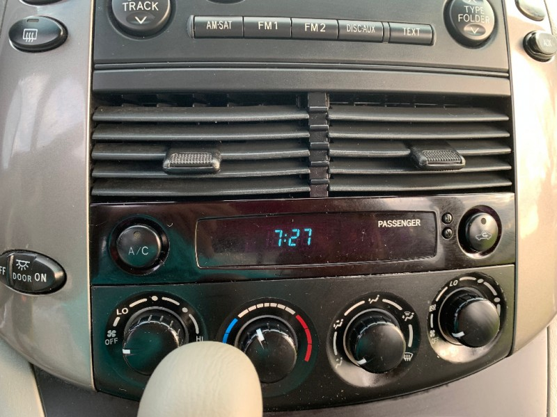 Toyota Sienna 2010 price $7,999