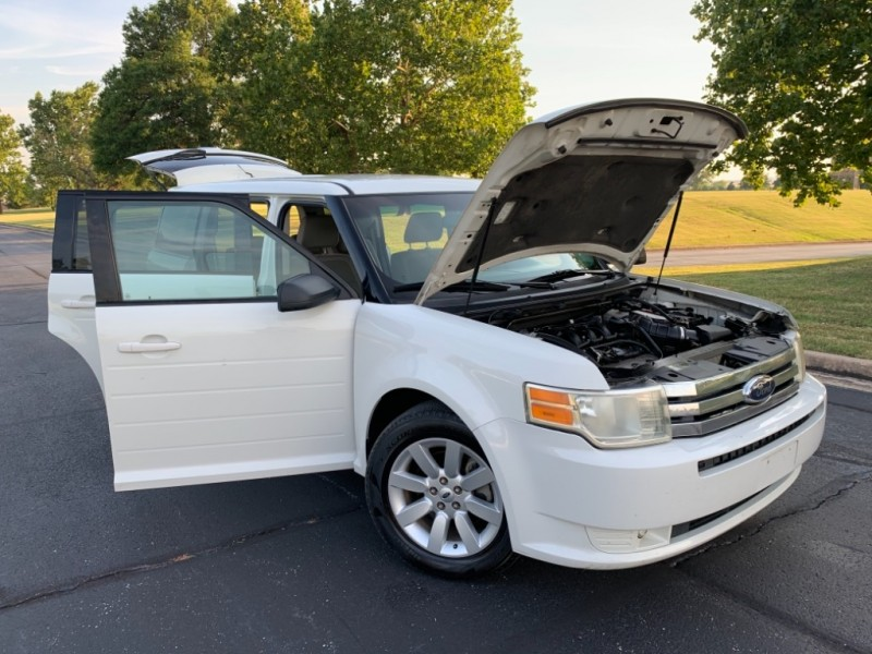 Ford Flex 2009 price $5,999