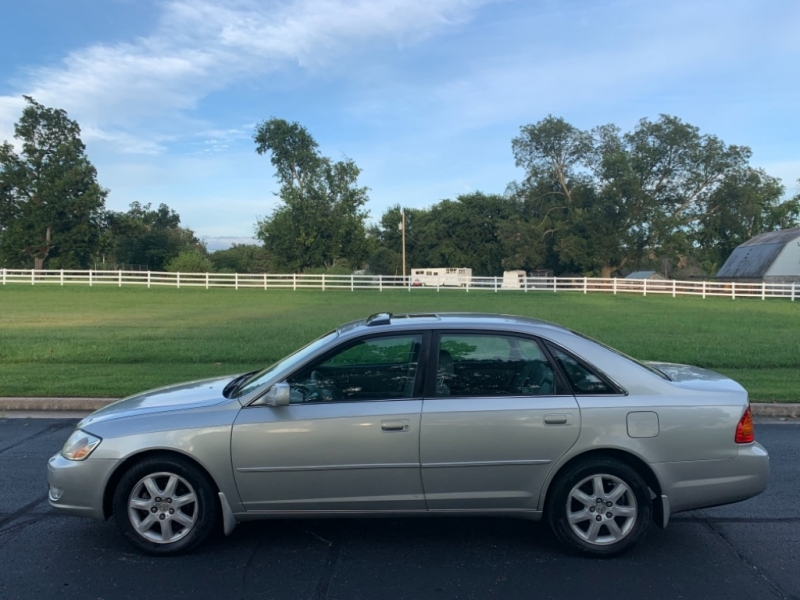 Toyota Avalon 2002 price $4,999