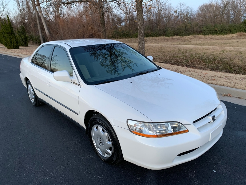 Honda Accord Sdn 2000 price $3,999