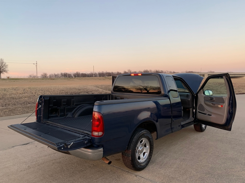 Ford F-150 2002 price $4,499