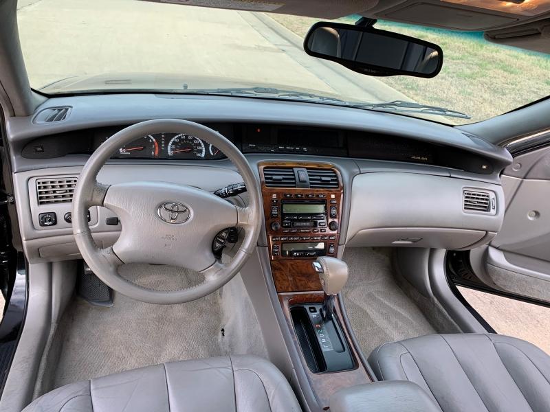 Toyota Avalon 2002 price $3,999