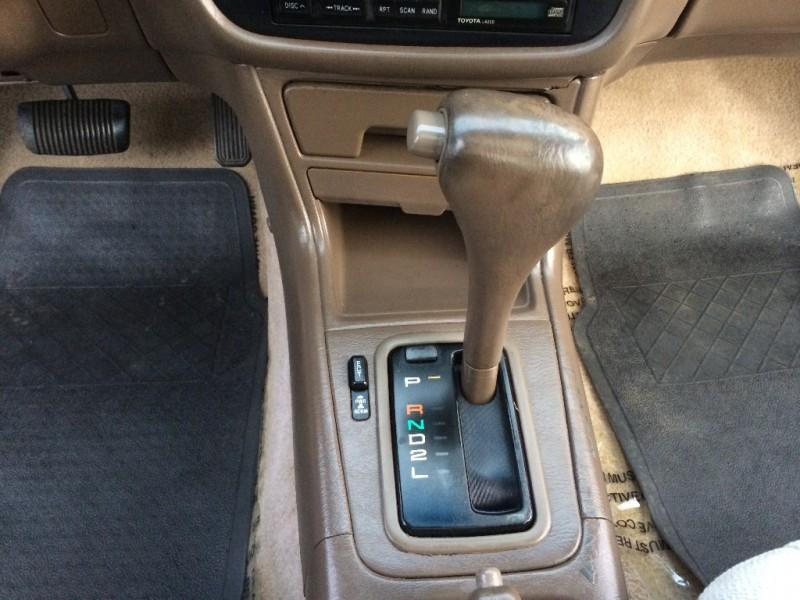 Toyota Camry 1996 price $2,999