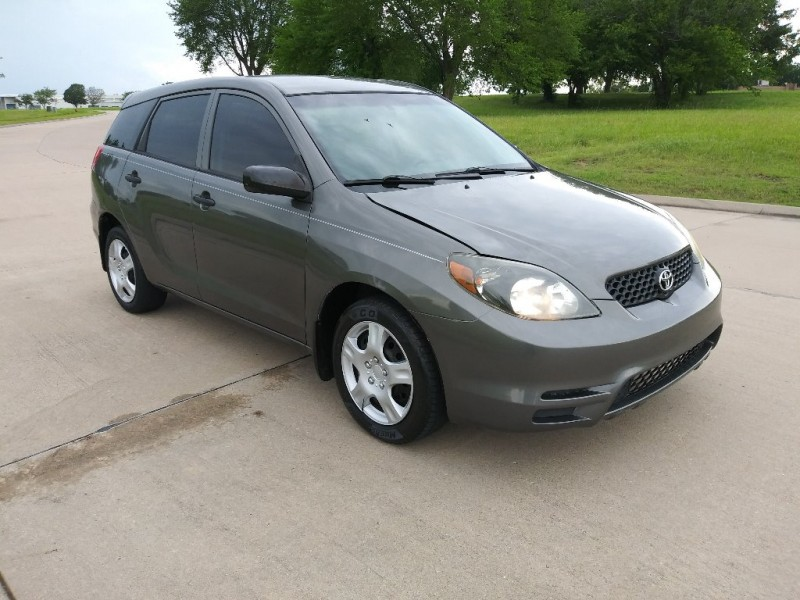 Toyota Matrix 2004 price $3,999